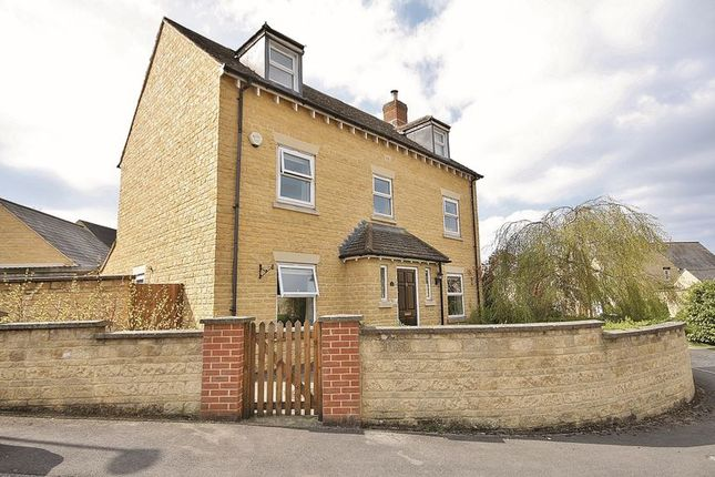 Thumbnail Detached house for sale in Larch Lane, Madley Park, Witney