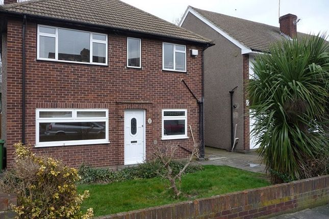 Thumbnail Maisonette to rent in Standard Road, Bexleyheath, Kent