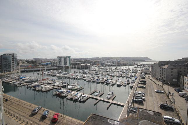 Thumbnail Flat to rent in North Quay, Plymouth
