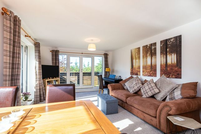 Thumbnail Flat for sale in Broad Street, Great Cambourne