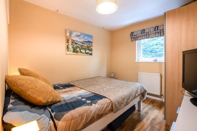Bedroom 2 of Springfield Close, Woodsidepark, London, . N12