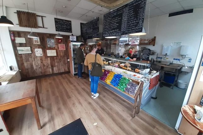 Thumbnail Restaurant/cafe for sale in Cafe & Sandwich Bars YO7, Market Place, North Yorkshire