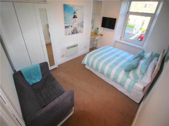 Studio to rent in Powis Place, Aberdeen AB25