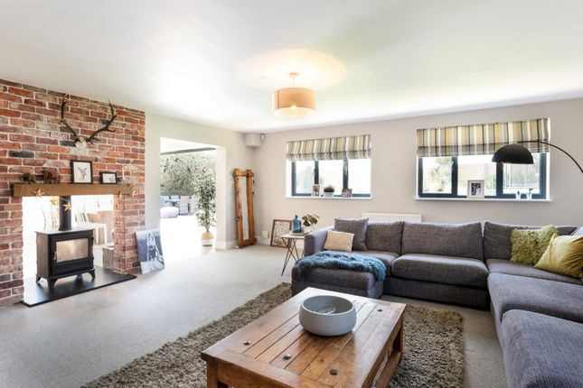 Thumbnail Detached house to rent in Redbridge Cottages, Handcross Road, Balcombe, Haywards Heath