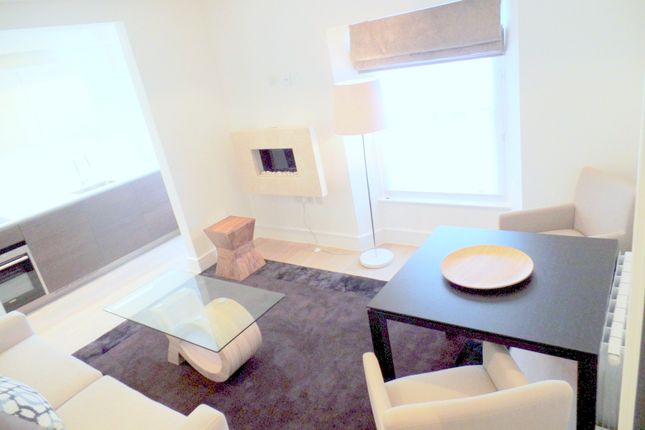 1 bed flat to rent in 20 Prince's Square, London