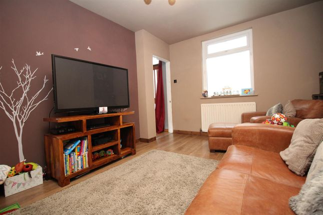 Lounge of Wharncliffe Crescent, Bradford BD2