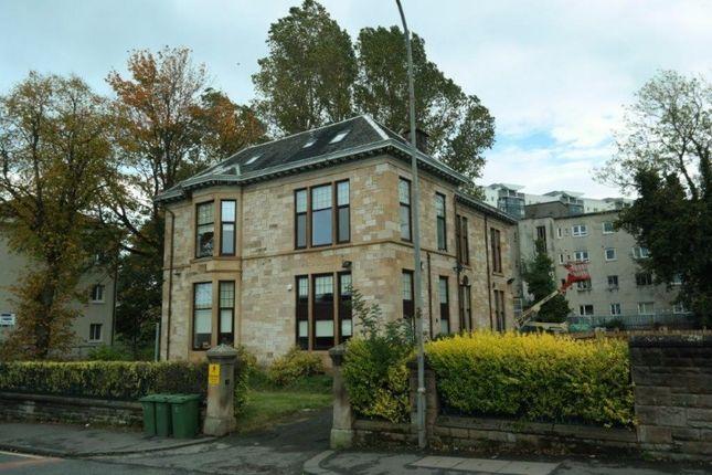 3 bedroom flat to rent in Berryknowes Road, Cardonald, Glasgow