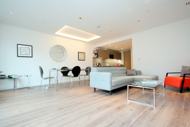 Thumbnail Flat to rent in Leman Street, The City Of London -