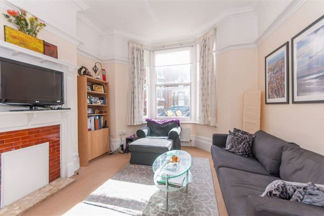 Thumbnail Flat to rent in Calabria Road, Highbury And Islington, Highbury, London