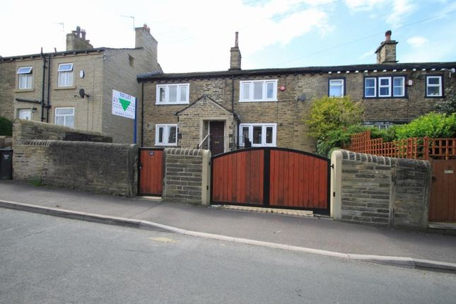 2 bed terraced house to rent in Syke Lane, Halifax HX3