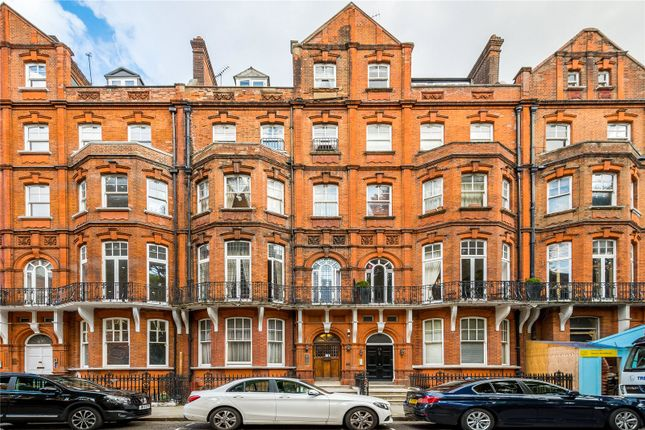 Thumbnail Terraced house for sale in Kensington Court, London