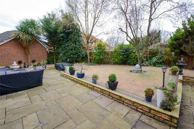 Picture No. 14 of Hallbrooke Gardens, Binfield, Berkshire RG42