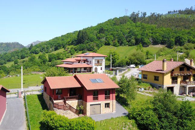 Detached House of Beceña, Cangas De Onís, Asturias, Spain
