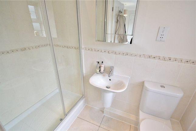 En-Suite of New Road, Chilworth, Guildford GU4