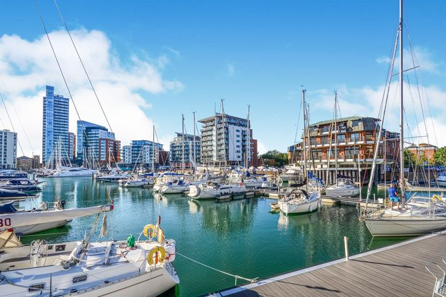 Thumbnail Penthouse for sale in Channel Way, Ocean Village, Southampton