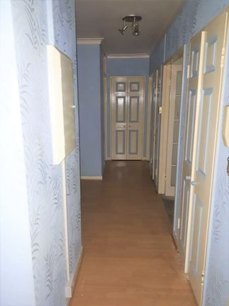 Thumbnail Shared accommodation to rent in Maple Avenue, Acton, London