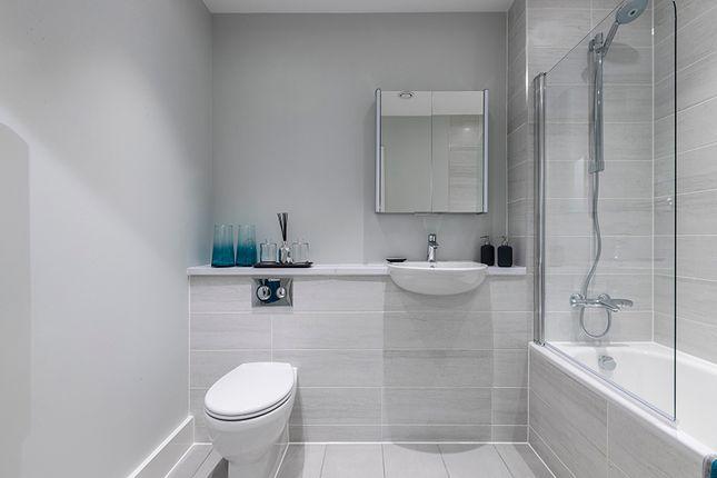 2 bedroom flat for sale in Scotland Green, London