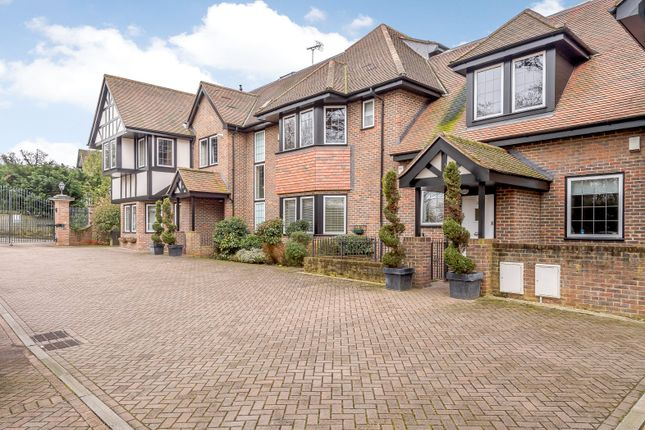 Thumbnail Flat for sale in Buckley Court, 375 Cockfosters Road, Barnet, Hertfordshire