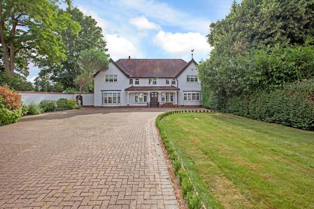 Thumbnail Detached house to rent in Maidenhead Court Park, Bray, Maidenhead