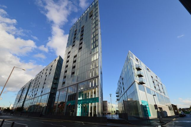 3 bed flat to rent in Vertex Tower, Little Thames Walk, Greenwich