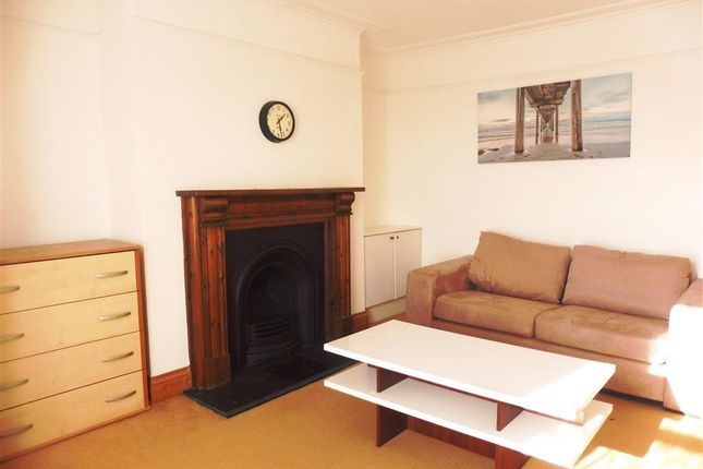 Thumbnail Flat to rent in Paradise Road, Stoke, Plymouth