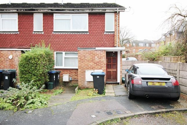 Thumbnail Property to rent in Eastbrook Close, Woking