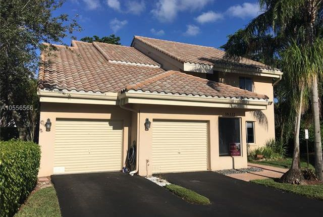 Thumbnail Town house for sale in 16332 Malibu Dr, Weston, Florida, 16332, United States Of America