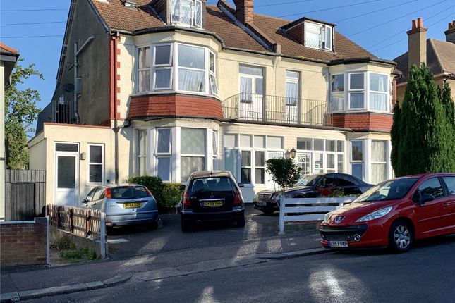 Picture No. 16 of Ailsa Road, Westcliff-On-Sea, Essex SS0