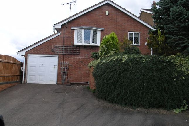2 bed detached bungalow to rent in Trejon Road, Cradley Heath B64