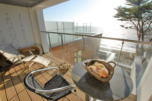 Thumbnail Flat for sale in Radnor Cliff, Sandgate