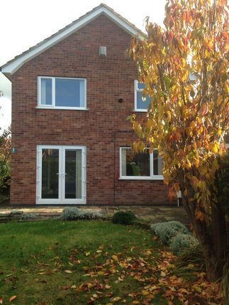 3 bed detached house to rent in Linden Avenue, Clay Cross, Chesterfield