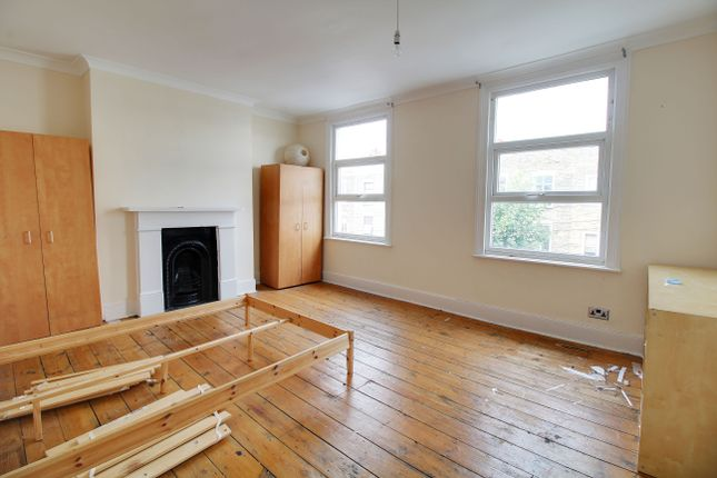 Thumbnail Terraced house to rent in Dunlace Road, Clapton