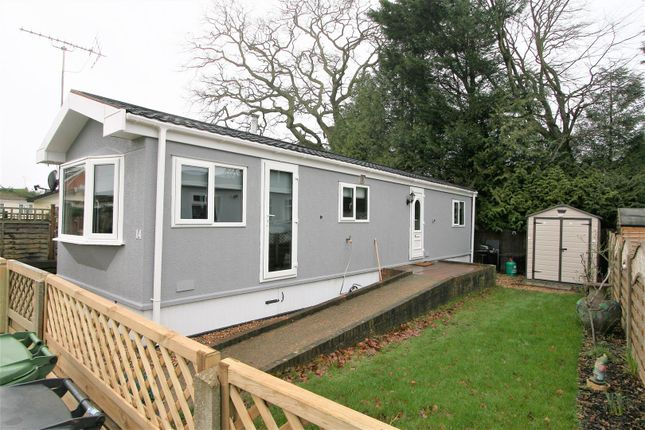 Thumbnail Mobile/park home for sale in Meadow Close, Bricket Wood, St. Albans
