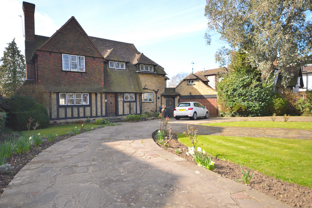 Thumbnail Detached house for sale in The Green, Southgate