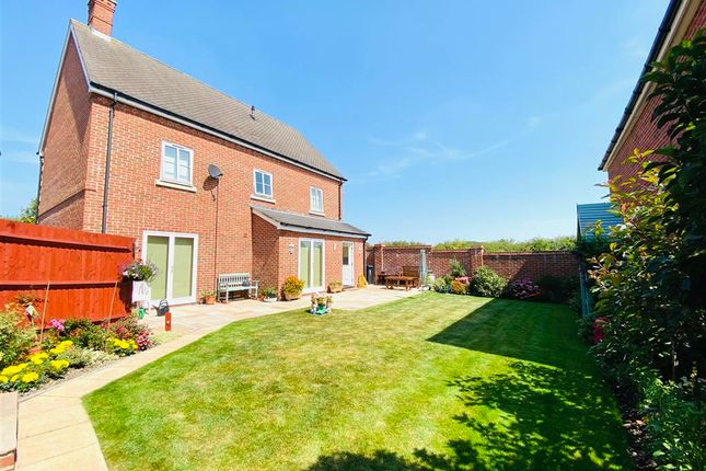 Thumbnail Detached house for sale in Caldwell Close, Shaftesbury