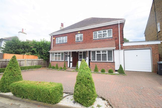 Thumbnail Detached house to rent in Falconer Road, Bushey, Hertfordshire