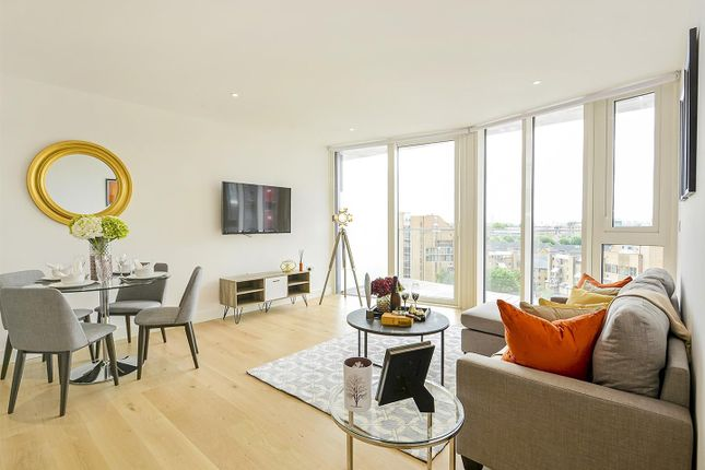 Thumbnail Flat for sale in Counter House, Gauging Square, Wapping, London
