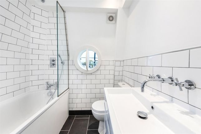 Bathroom of Redcliffe Square, Earls Court, London SW10