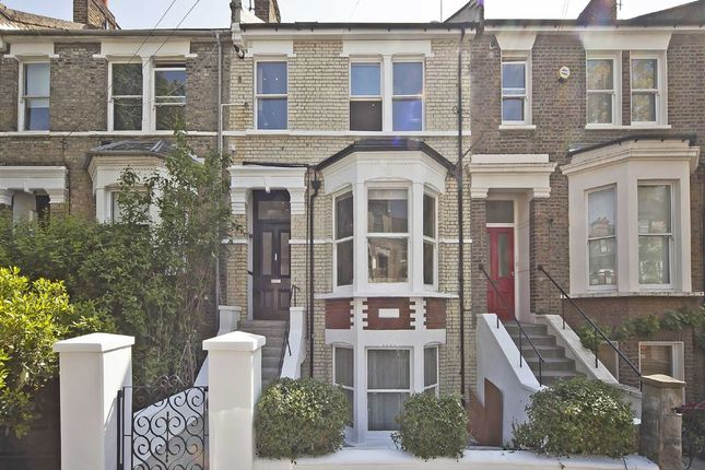 Flat to rent in Devonport Road, London