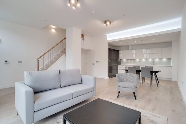 Thumbnail Terraced house to rent in Williamsburg Plaza, London