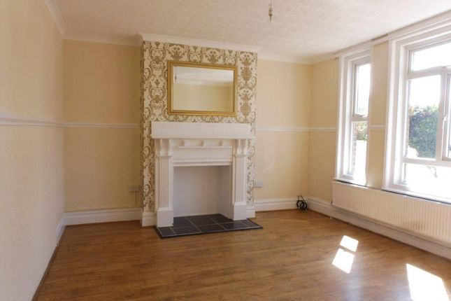 4 bed end terrace house to rent in Kimberley Road, Bacton, Norwich