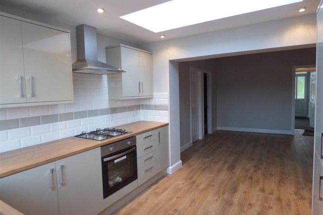 Thumbnail Terraced house to rent in Aire View Avenue, Bingley