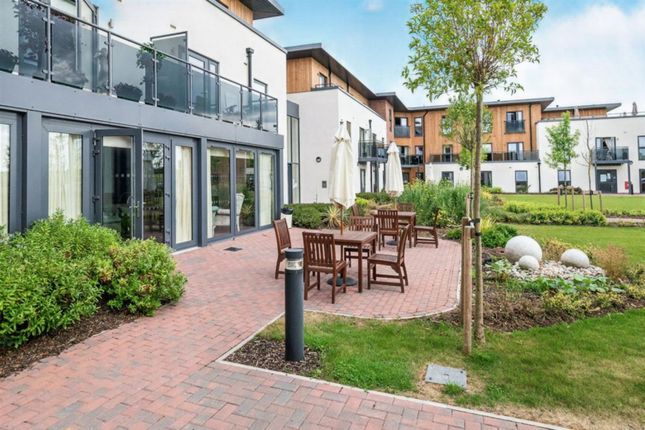Thumbnail Property for sale in Springfield Close, Stratford-Upon-Avon
