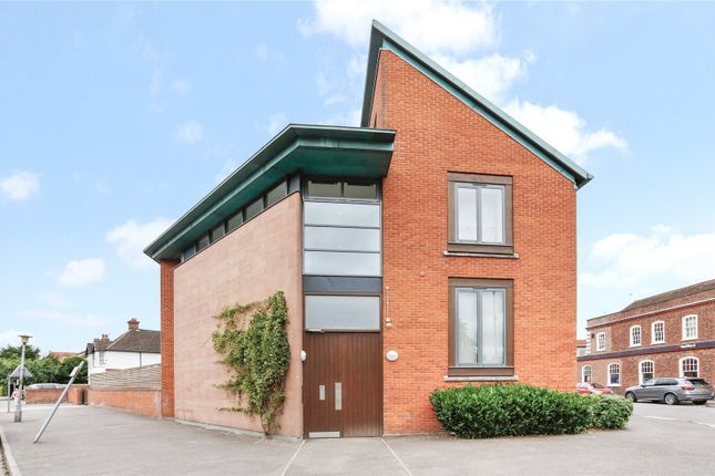 Thumbnail Flat for sale in Reynolds Court, Baring Road, Beaconsfield