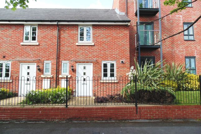 2 bed terraced house to rent in Sinclair Drive, Basingstoke RG21