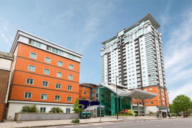 2 bed flat to rent in Westminster Bridge Road, Waterloo
