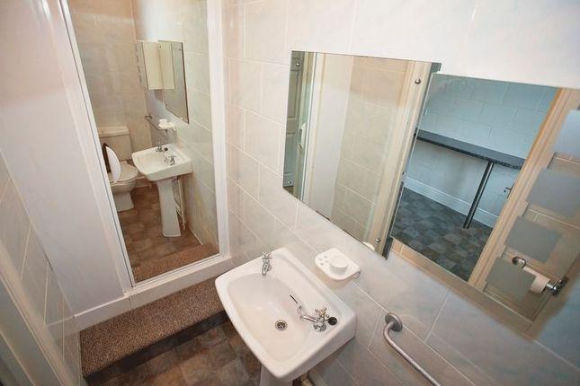Shower Room of Jesse Terrace, Reading RG1