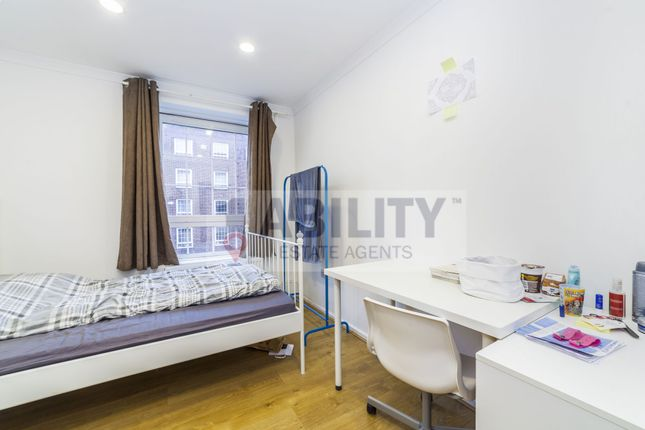 Thumbnail Flat to rent in Law Street, London