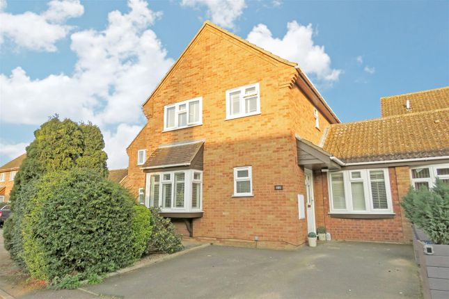 Thumbnail Link-detached house for sale in Ivel Close, Langford, Biggleswade