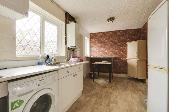 24564 of Highwood Avenue, Bilborough, Nottinghamshire NG8